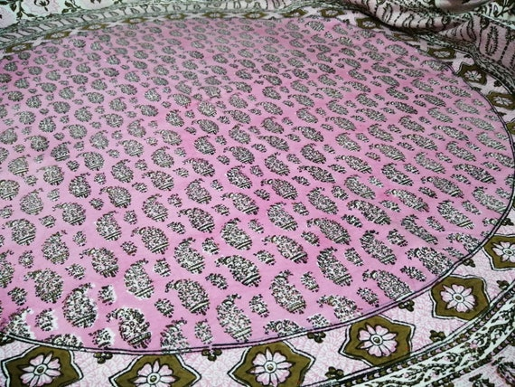 Traditional pink round tablecloth with natural colours, 60 inches with tassels