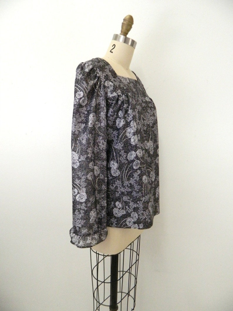 Small .. 2 Pc Set .. Ruffle Sleeves 1970s Skirt /& Blouse Set Black Silver Floral Long Sleeve Blouse w Maxi Skirt ..