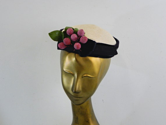 Pillbox Hat with Grape Cluster ... Vintage 40s No… - image 10