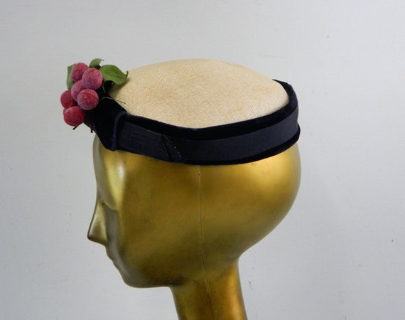 Pillbox Hat with Grape Cluster ... Vintage 40s No… - image 2