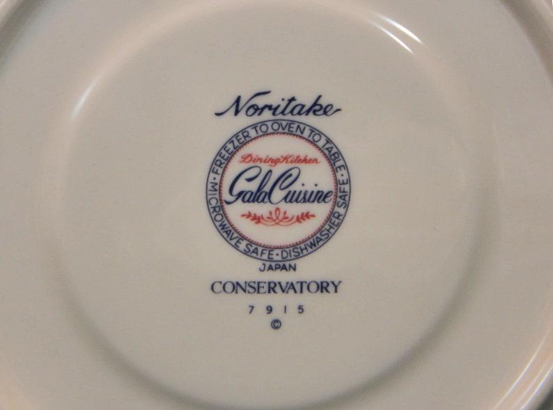 Noritake Conservatory 5-Piece Place Setting .. Gala Cuisine by Noritake Pattern #7915 .. Display Set...Multimotif Floral New Old Stock