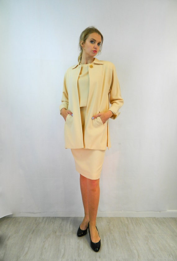 CHRISTIAN DIOR Lightweight Wool The Suit ... Vinta