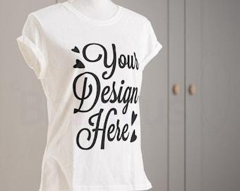 Mockup clean scene t-shirt - present t-shirt print - photorealistic psd smart object - mock up t-shirt show art