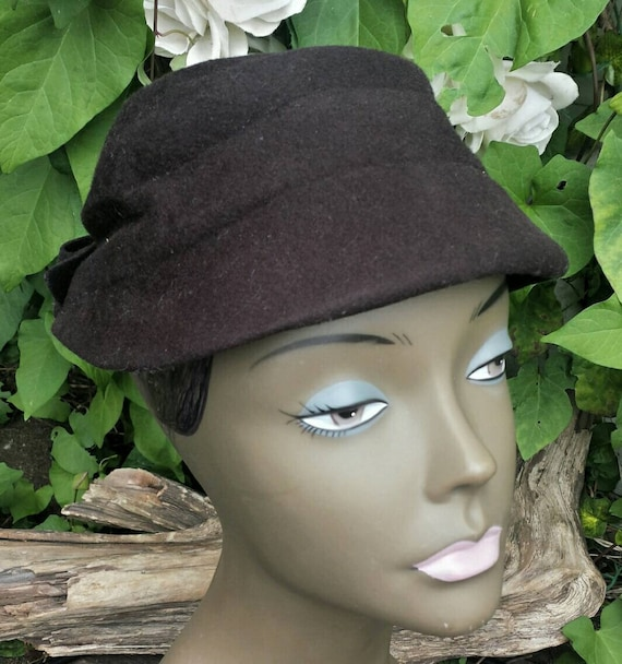 60's clover lane hat with bow/clover lane/vintage