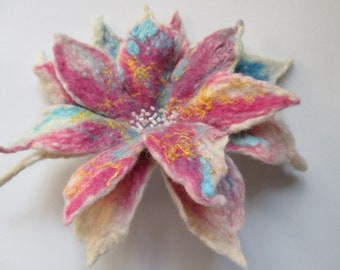 Felted flower ,Wool flower,Felt flower,Flower brooch, Felt Flower Pin, Wool Brooch,wearable art,  unique flower,Unique art to wear