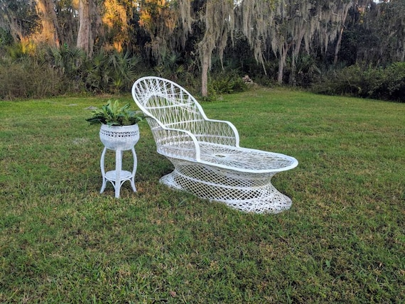 Phenomenal Spun Fiberglass Lounge Chair Russel Woodard Chase Lounge Mid Century Patio Hollywood Regency Porch Mcm Garden Furniture Lounger Squirreltailoven Fun Painted Chair Ideas Images Squirreltailovenorg