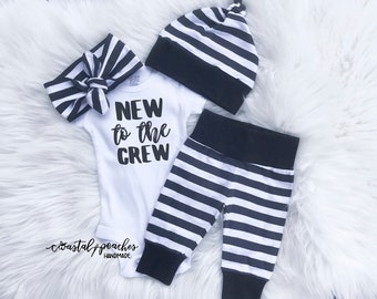 3e34b9c73bbf Newborn Baby Gender Neutral Coming Home Outfit   New to the Crew    Pregnancy Announcement Gender Reveal Baby Gift   baby boy baby girl set