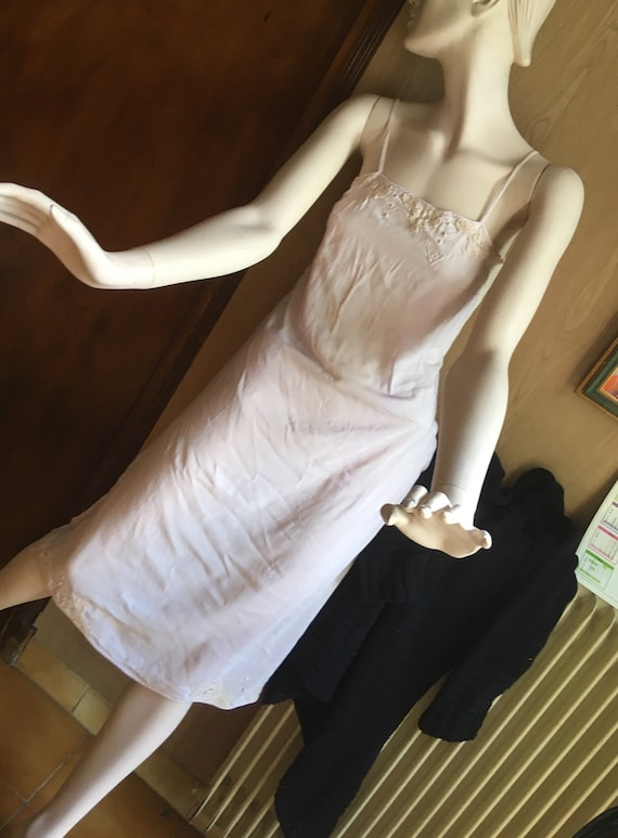 Jumpsuit, dress background, 1930s, in mauve batist