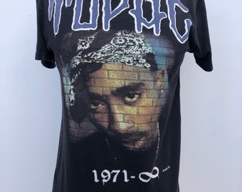 c8ded2e97 On Hold for SHAWNA Vintage TUPAC 1971 til Infiniti T Shirt