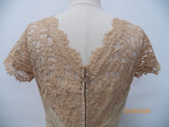 Women 50's Lace Evening Dress - image 4