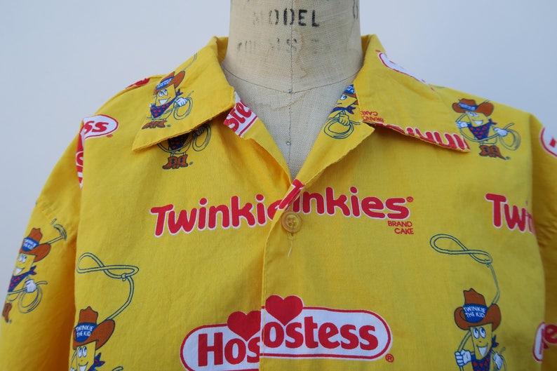 Hostess Twinkie Button Up 0724