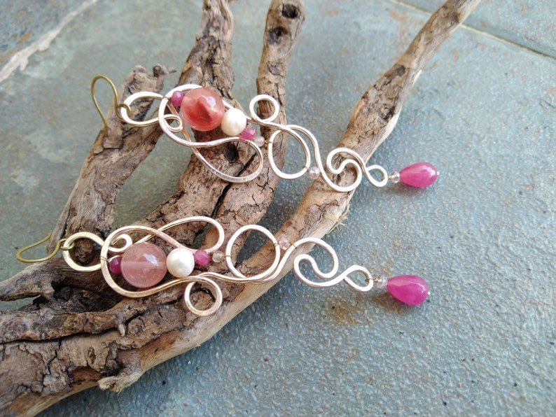 Extra long lightweight earrings in summer style from twisted wire boho chic accessory abstract wavy earrings with bright pink quarts