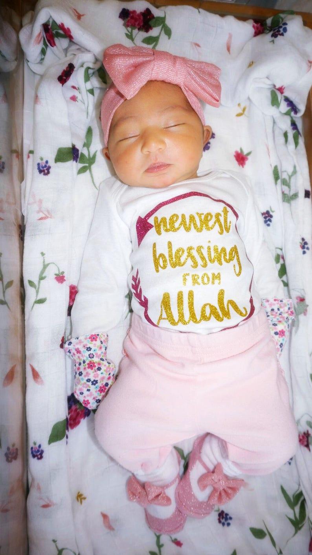 Newborn Baby Pak Pic