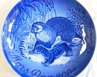 B&G 2004 Mother's Day Collector Plates - Otters, Mint in Box