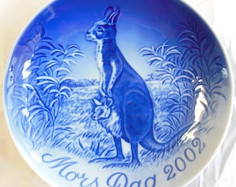 """B&G 2002 Mother's Day Collector Plate -  """"Kangaroo and Joey"""", Mint in Box"""