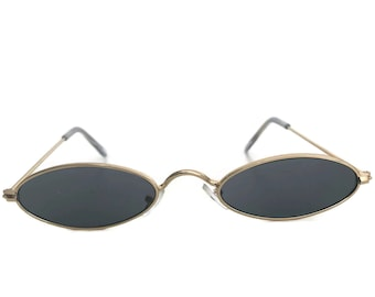9b9467c9e37e6 Oval Sunglasses with Gold Frames