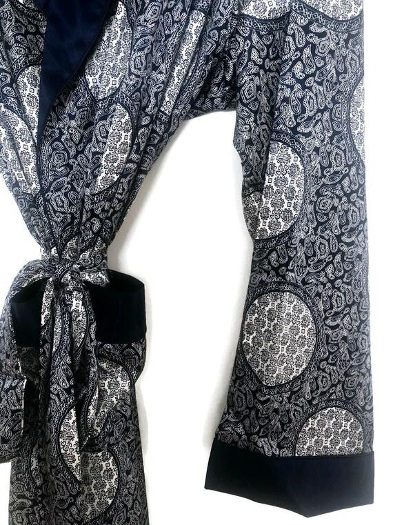 Silky Smoking Jacket   Paisley Robe   Retro Dress… - image 3