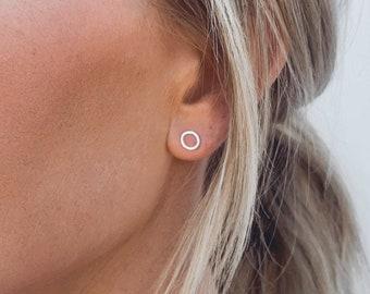 Open Circle Earrings • Minimalist Earrings • Circle Earrings • Dainty Earrings • Stud Earrings