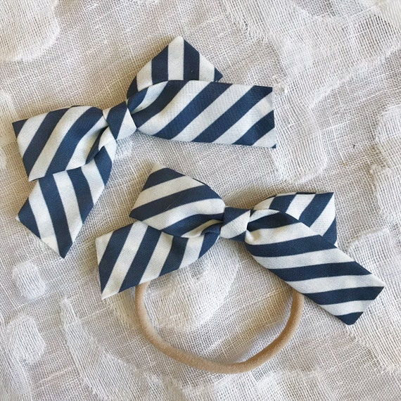 Navy and White Striped School Girl Bow, toddler bow, hair clip, nylon baby headband, 4th of July bow, girl fashion, baby girl, patriotic bow