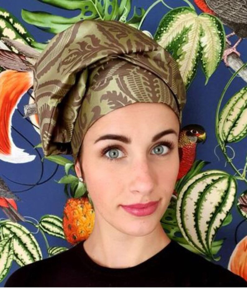 Silk turban with floral pattern image 0