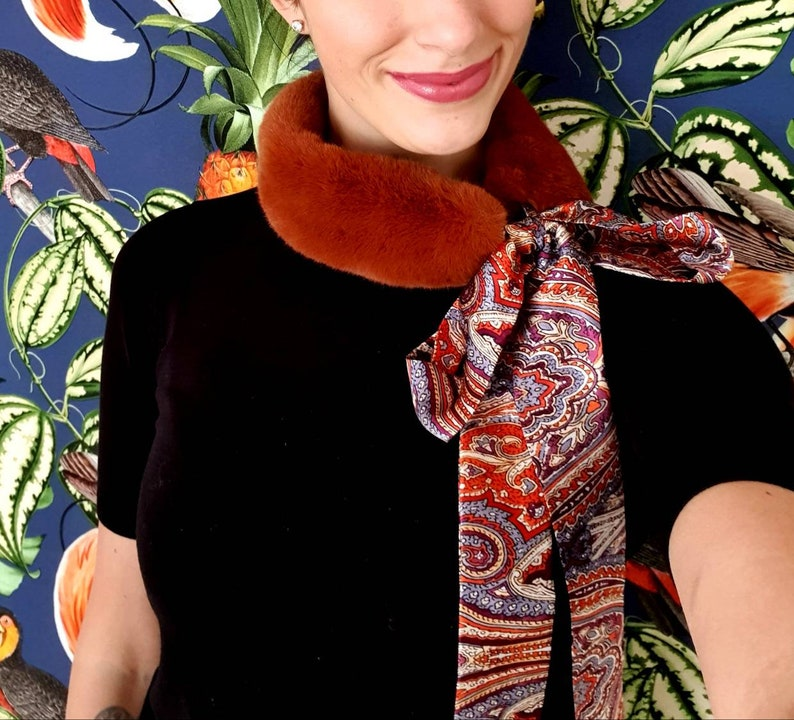 Rust-brown woven fur collar with silk scarf in Paisley pattern image 0