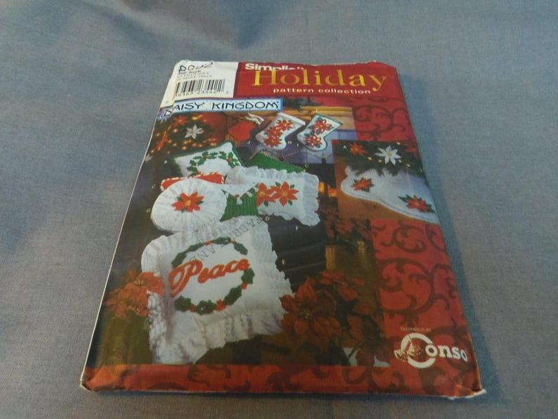 Christmas Decor Daisy Kingdom Holly and Poinsettia Uncut image 0