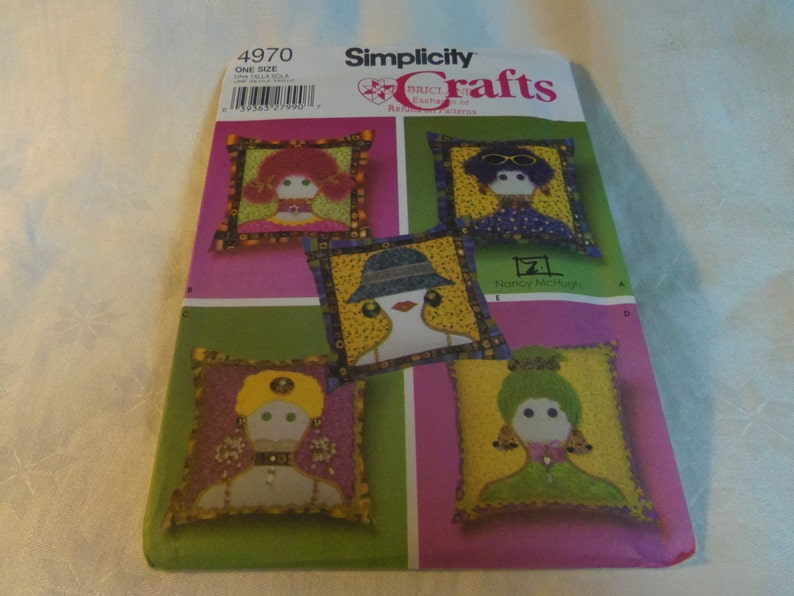 Pillows 14 Face Appliques Uncut Pattern Simplicity image 0