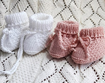 Easy knit baby booties.Knitted summer cotton booties.Knitted baby shoes.Baby Announcement.Baby booties knit clothes go home gift.Unisex