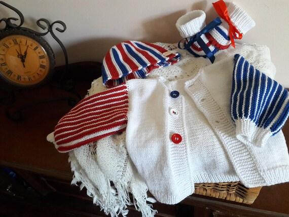 Tricoté en coton ensemble garçon. Bébé en tricot à la main vêtements. Nouveau-né garçon à venir à la maison en tricot tenue 3 pièces. Ensemble de bébé nouveau-né. Ensemble d'été coton bébé. Gilet