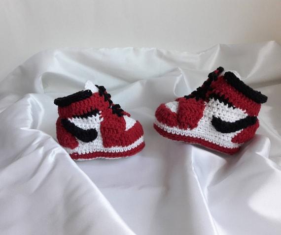 d8d2ec8d142a9f Crochet baby booties sneakers Jordan Crochet baby shoes