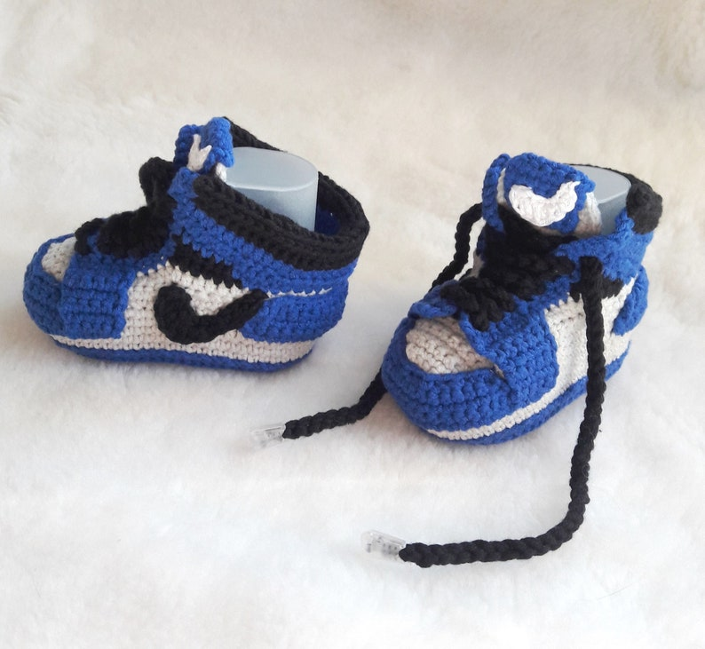 560efcc887aa1 Crochet baby sneakers copy Jordan Air retro. Booties cotton. First gift  baby.Blue baby shoes newborn. Knitted infant nike booties.