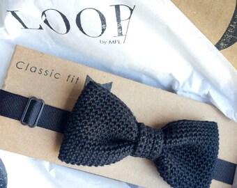 All black classic fit pre-tied bow tie, Bow tie, Pre-tied bow tie, Adult bow tie, Handmade bow tie, Classic bow tie, Wedding bow tie