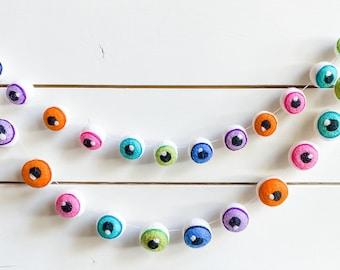Felt Eyeball Halloween Garland 3cm o r 4cm Felt Ball Pom Pom  FREE SHIPPING USA   Bunting   Halloween Felt Garland   Felted Eyeballs