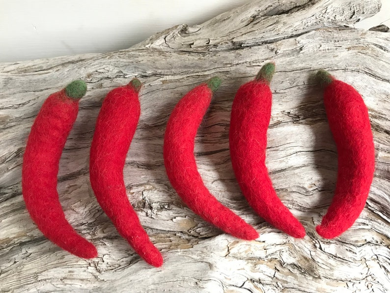Red Hot Pepper Loose Felt Shapes   Cinco De Mayo   Chili Pepper   Free  Shipping USA over 16 US Dollars   Garland   Pom Pom