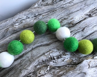 Funky Green St. Patty's Day - 2cm Felt Ball Garland or Loose Pack - Pom Pom - FREE SHIPPING on 16 USA | Bunting | St Patrick's Garland