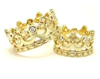 14k Crown wedding bands. Unique wedding bands. Crown rings. Couple wedding bands. Matching wedding bands. Wedding bands gold. Wedding rings.