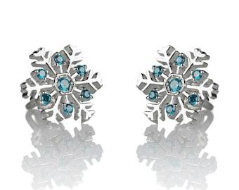 14k Gold Snowflake earrings. Snowflake studs.Snowflake earrings. Christmas gift. Christmas jewelry. Stud earrings.