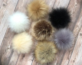 a24649be94e5 Faux Fur Pom Pom