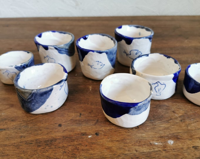4 small coffee cups