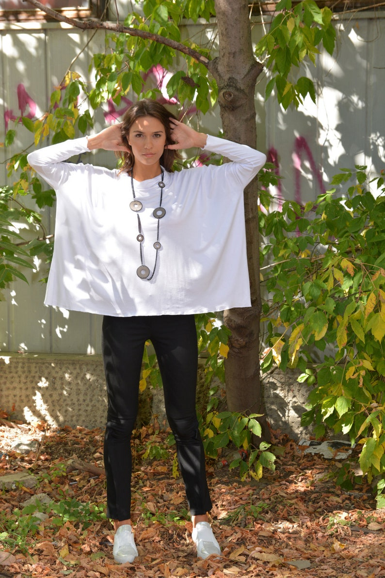 Loose Tunic Party Top by Danellys D16.08.13 White Tunic Top Plus Size Tunic Long Sleeved Top Plus Size Top Casual Top Oversized Tunic