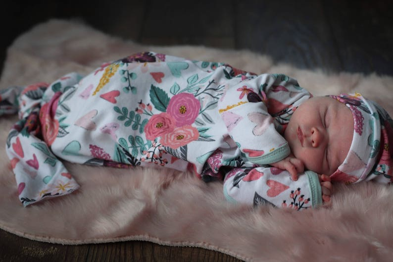Baby Girl Outfits Baby Girl Take Home Outfit Newborn Girl Clothes Knotted Sleeper Newborn Girl Coming Home Outfit Baby Gown and Hat set