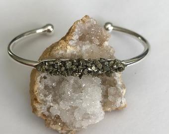 Pyrite cuff, Pyrite bangle, Crushed Pyrite bangle, Pyrite jewelry, Rough pyrite bangle, raw Gemstone bangle, Gold Pyrite cuff