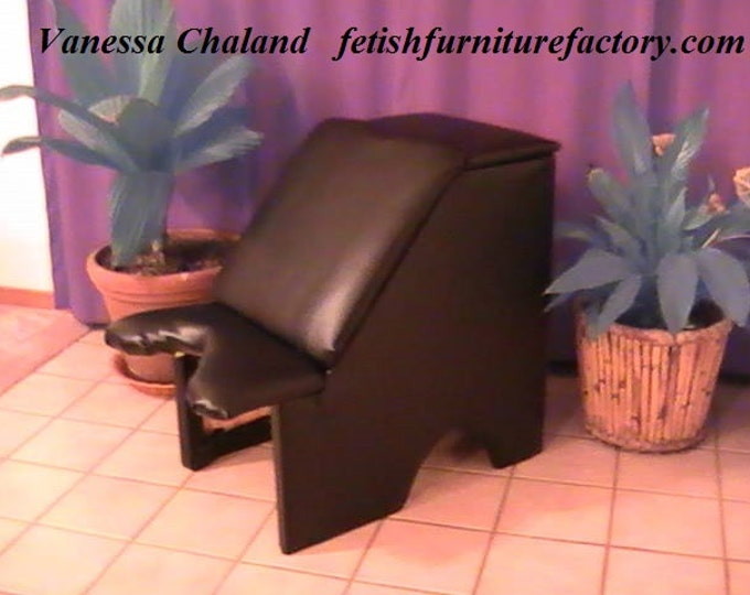 Mature: Queening Stool for Facesitting. Smothering Box for Oral Sex. Sex Toys, Face Sitting Chair, Dominatrix, Sex Chair, Sex Furniture. DIY