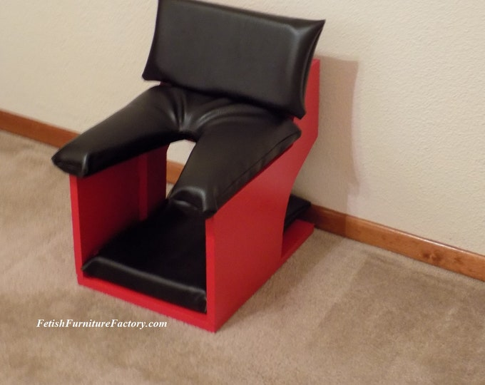 Mature: Queening Stool for Oral sex. Queening Chair, Face Sitting Chair for Female Domination. Dungeon Sex Chair. Smother Box. Sex Slave