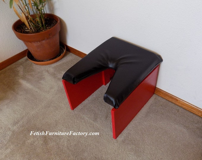 Mature: Facesitting Stool, Smother Box for Domination. Queening Stool Dungeons. BDSM Furniture, Sex Furniture, Face Sitting Stool. Rim Seat