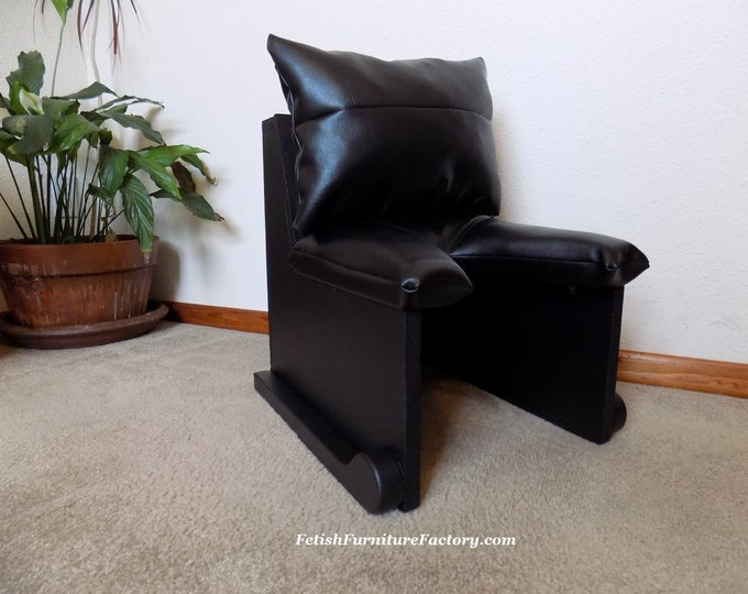 Mature: Queening Chair for Oral Sex. BDSM Furniture, FemDom Face Sitting, Smother Chair, Rim Seat, Sex Toys Fetish, Dungeon Toys, Domination
