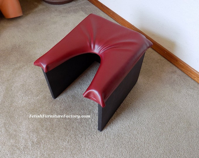 Mature: Queening Stool for Oral Sex. Sex Furniture, Rim Seat. FemDom Face Sitting. Dungeon. LGBTQIA. Smother Stool Dominatrix. Sex Toys BDSM