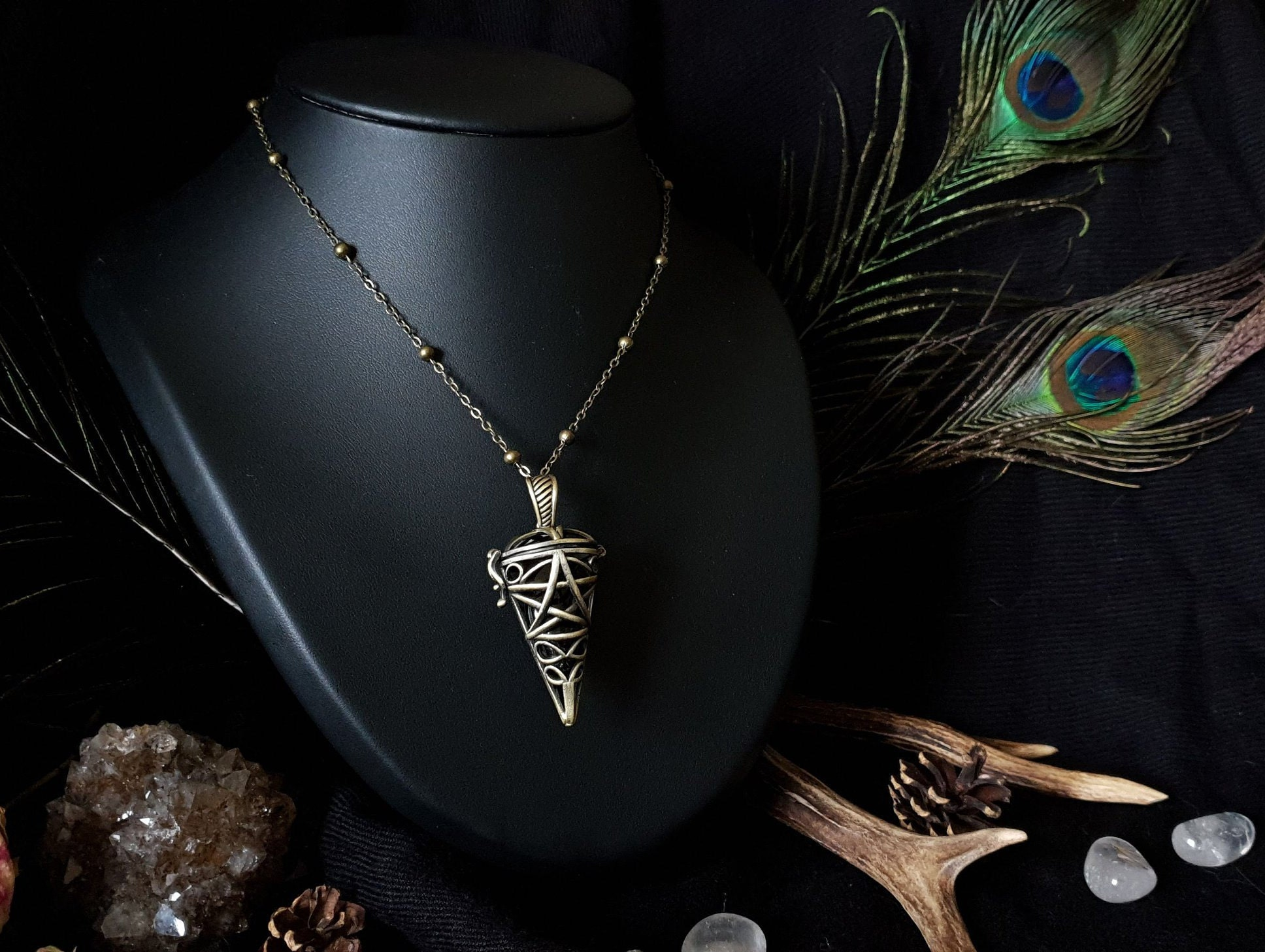 Labradorite Large Feather /& Pentagram Pendant Wicca Pagan Spirit Guide Wolf