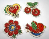 Iron on Motif/Patch - Embroidered/Appliqué Mexican Folk Art - Heart, Flower, Bird, Cherry - Gold Stitching