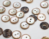 Mother of Pearl Shell Buttons with Micro-Glitter Enamelled Rim in Powder Pink/Natural Shell 14mm - Atelier Brunette Button